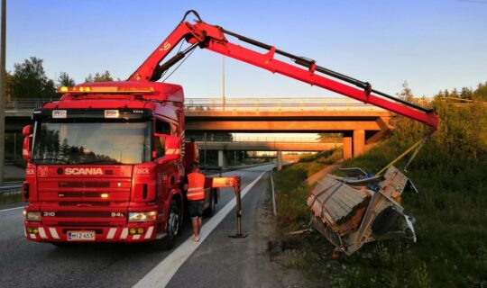 Scania p94 - Kärripojat Oy